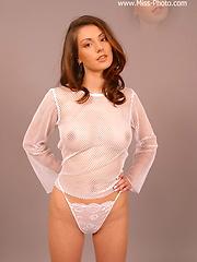 Cute virgin girl in no-nude solo session