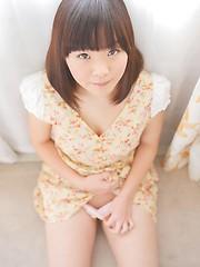Akari Nakatani takes off her bra and panties