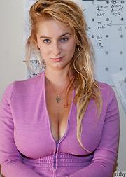 Cassie Becker Hot Sunday