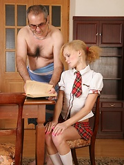 Young cheerleader taste her teacher's hot cum