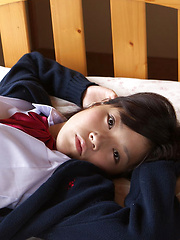 Airi Sakuragi Asian takes uniform skirt off and shows naughty bum