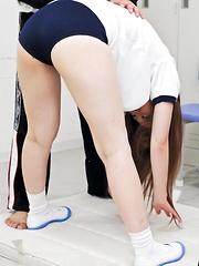 Raunchy Sakamoto Hikari takes on two hard dicks with her pussy